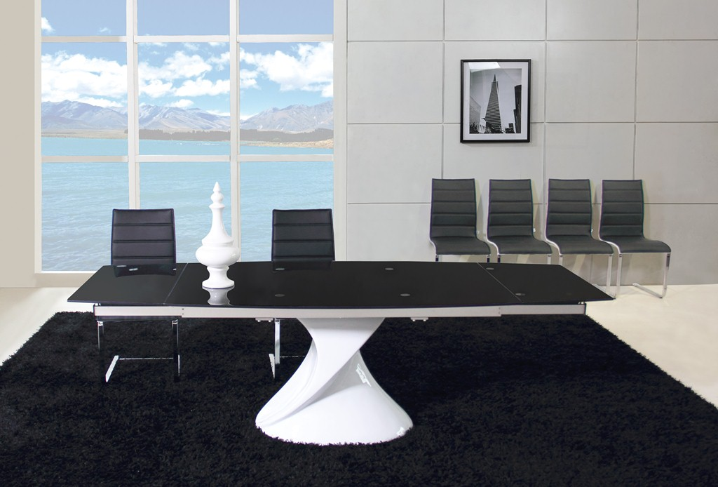 Brilliant Black Glass Dining Table and Chairs 1024 x 694 · 129 kB · jpeg